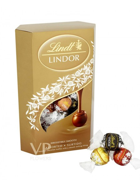 Lindt Lindor Assorted Chocolate Cornet 337g
