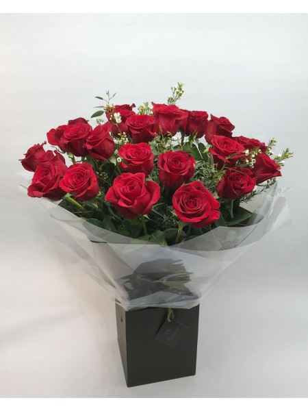 Roses by 'VP Flowers'